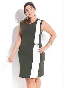 Vestido Plus Size Sem Manga Detalhe Argola Verde com Bege