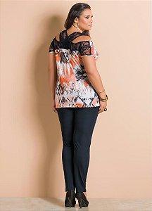 9a2306c608 Conjunto Calça Preta e Blusa Estampada com Renda Plus Size