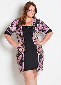 Vestido Plus Size Preto com Sobreposição Floral