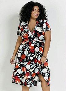 Vestido Plus Size Fenda e Decote Transpassado Folhagem