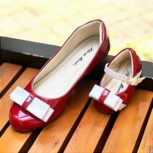 Sapatilha Verniz Vermelha e Laço Branco Comfort