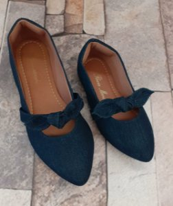 Sapatilha Jeans Azul Bico Fino com Laço