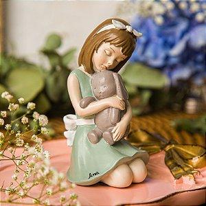 Menina Luisa e seu coelhinho - Personalizável