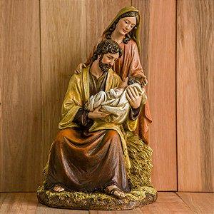 Imagem da Sagrada Família com Jesus nos braços de José