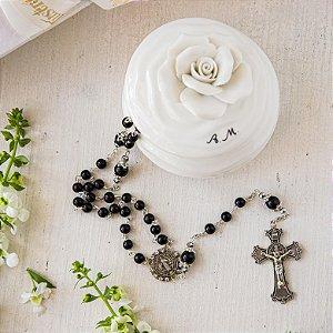 Porta Camélia Branca Personalizada com Rosário Black