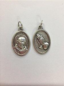 Medalha Italiana São Pe. Pio / mãos (8327)