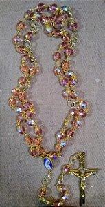 Terço importado - made in Fátima - Dourado com pedras rosa