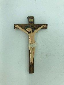 Crucifixo de parede em resina 10 cm (7077)