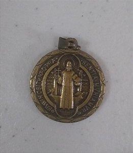 Medalha de São Bento 30mm Ouro Velho (6944)