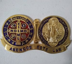 Medalhão Devocional Medalha Milagrosa resinada dourado (6292)