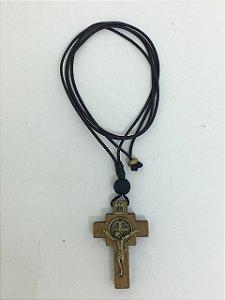 Cordão com cruz pequena medalha de São Bento (7697)