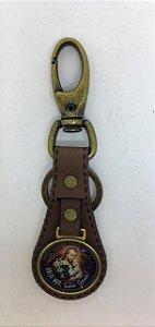 Chaveiro couro luxo marrom medalha resinada São José (8223)