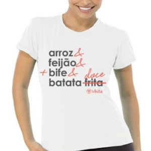 z Camiseta em tecido 100% algodão, fio 30 e tinturada. Modelagem ajustada ao corpo com opção masculina e feminina.