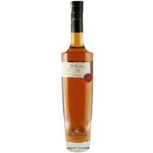 Aguardente Portuguesa Macieira Dalma XO 500ml + 2 Tacas