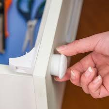 Kit com 4 Travas Magnética Para Gavetas de Armários Segurança para Bebês e Crianças
