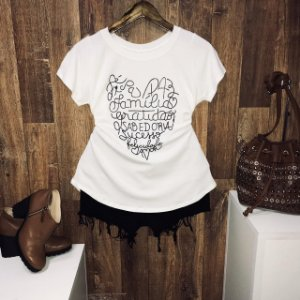 T-shirt  Fé Paz Família Com Relevo
