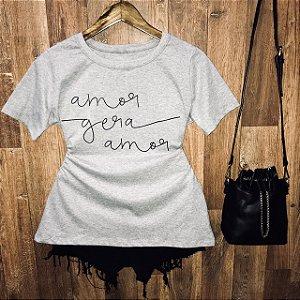 Camiseta Amor gera Amor