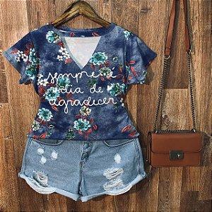 T-shirt Shocker Floral Sempre é Dia De Agradecer Azul