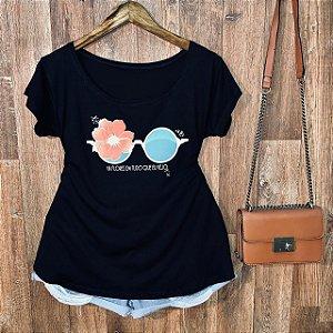 T-shirt Plus Size Há Flores em tudo que eu vejo