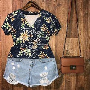 T-shirt Shocker Tenha Coragem Floral Azul Marinho