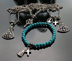 FÉ... com os colares em metal resistente e as pulseiras em pedras naturais com pingentes AUbas : Escolha o seu modelo e envie mensagem para confirmar. R$29,90 cada.