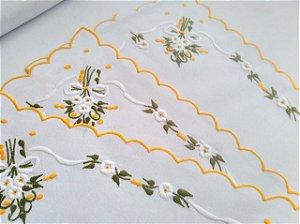 Lugar Americano de Linho Bordado Artesanal Flores Amarela