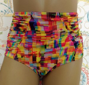 Biquini Cintura Alta Hot Pants