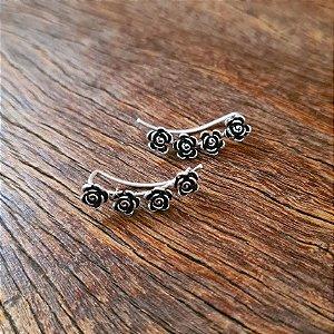 Ear Cuff Rosas em Prata 925