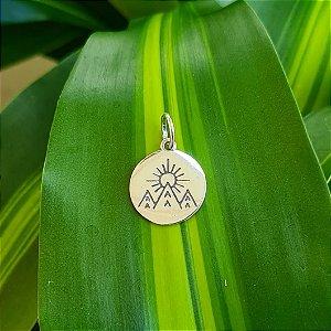 Pingente Medalha Montanhas e Sol em Prata 925