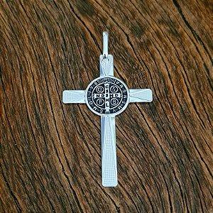 Pingente Crucifixo com Medalha de São Bento em Prata 925