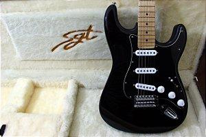 Guitarra SGT ST Classic Black - PRONTA ENTREGA
