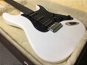 Guitarra SGT ST Classic HSS White - PRONTA ENTREGA