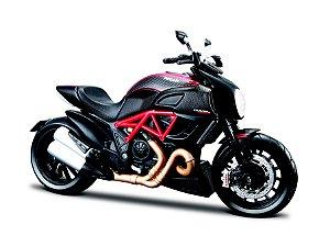 Miniatura Maisto - Ducati Diavel Carbon - 1:12