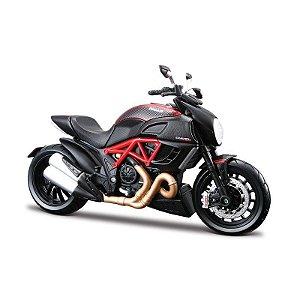 Miniatura Maisto Montável - Ducati Carbon - 1:12