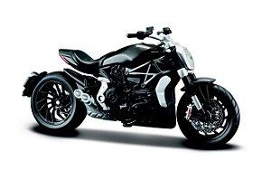 Miniatura Burago - Ducati XDIAVEL S - 1:18