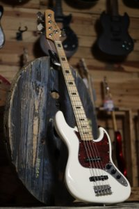 Contrabaixo Tagima Jazz Bass TJB5 - OWH