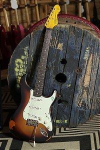 Guitarra Vintage Stratocaster Icon Series - V6MR