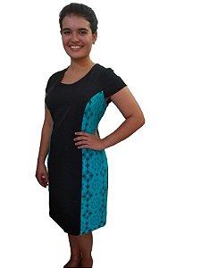 Vestido tubinho preto em twoway com detalhe lateral em renda azul