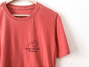 Camiseta - Pés na areia