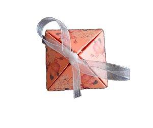 Caixinha Rosa Escuro presente com fita unidade