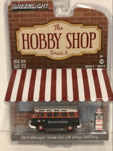 1964 VOLKSWAGEM SAMBA BUS WITH VINTAGE GAS PUMP FIRESTONE 1/64