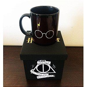 Caneca PRETA Harry Potter + Caixinha de MDF