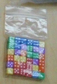 Kit de 36 dados pequenos coloridos para Bootleggers: Prohibition Era Mayhem! Board Game