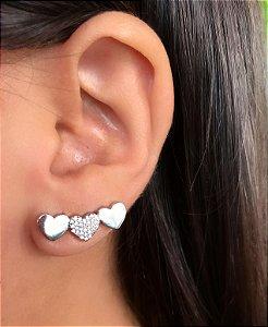 Brinco ear cuff corações cravejado zirconia cristal banhado a Ródio Branco
