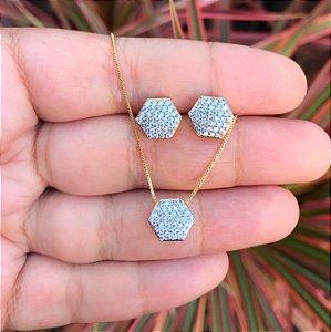Conjunto losango cravejado zirconias cristais banhado a Ouro 18K