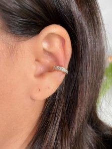 Piercing de pressão cravejado zirconias cristais