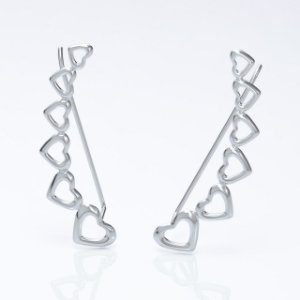 Brinco ear cuff corações vazados em Prata 925