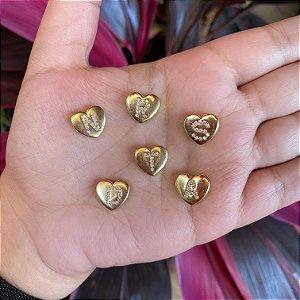 Colar pingente coração letra em Ouro 18K