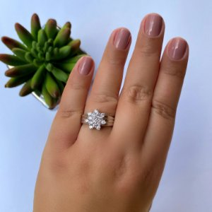 Anel flor zirconia cristal banhado em Ródio Branco