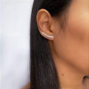 Brinco Ear cuff cravejado de zircônias em Prata 925